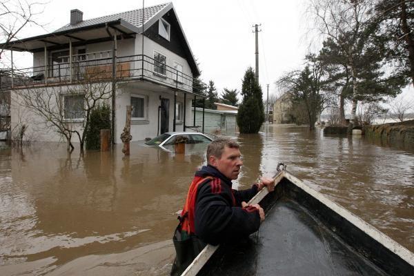 Energetikai įspėja apie pavojus, tykančius potvynių metu