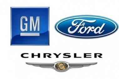 JAV automobilių gamintojų trejetas - be paramos