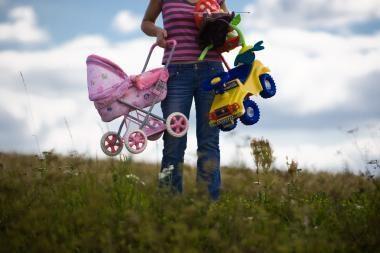 Dalį dienos dirbančios motinos augina sveikesnius vaikus