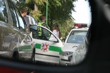 Raseinių rajone 6 užpuolikai 1 žmogų sužalojo, 2 sumušė, moterį išžagino