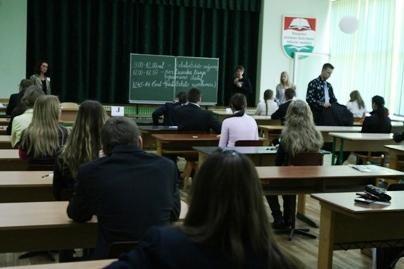 Komisija narplios egzaminų detektyvą