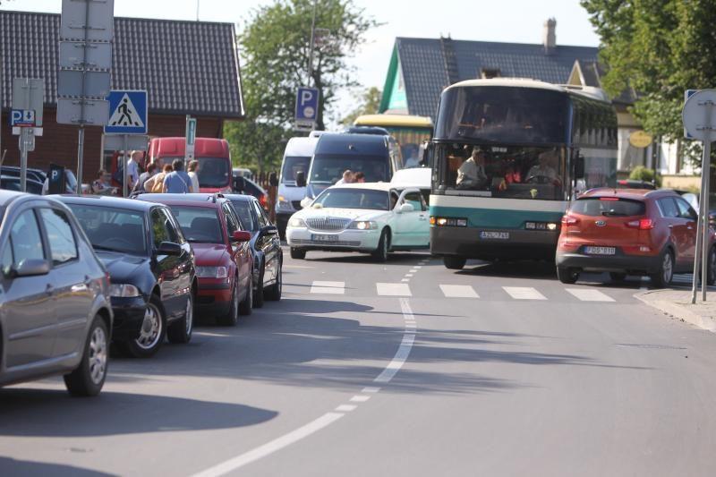 Automobiliams be draudimo ar techninės apžiūros grės išregistravimas?