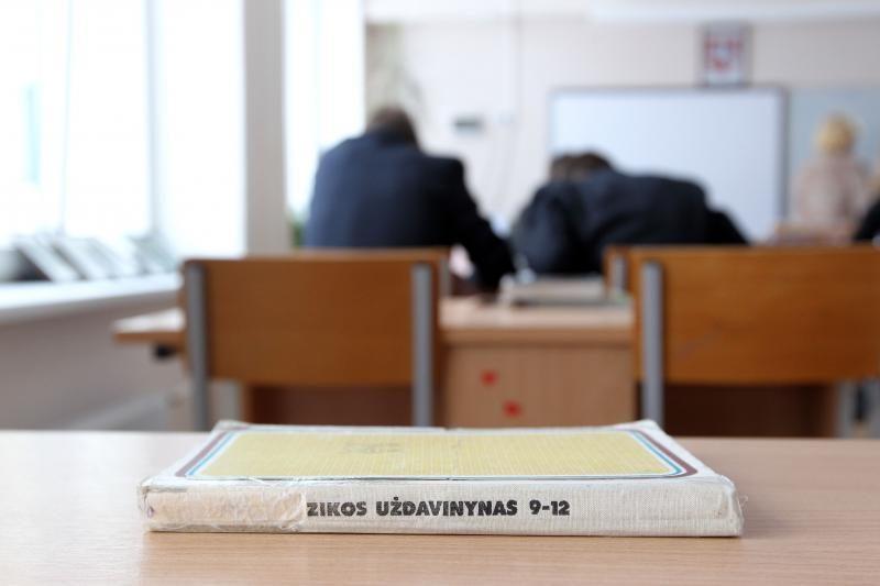 Mokyklų direktorius siūloma skirti penkeriems metams