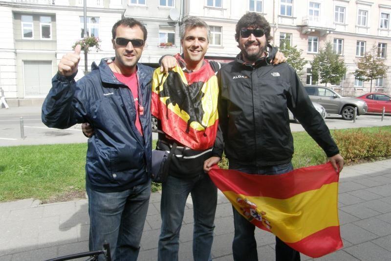 Į Vilnių sugužėję užsieniečiai palaiko Lietuvos komandą