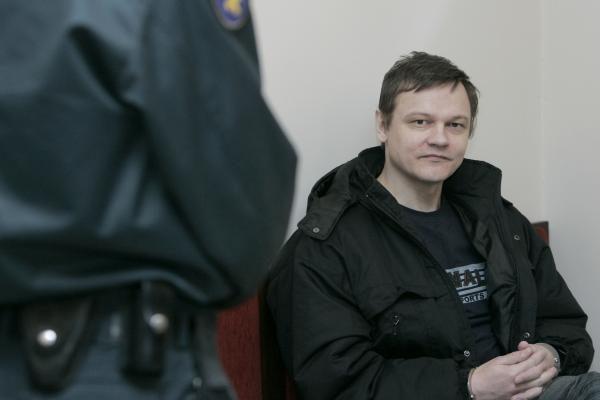Teismas nusprendė pedofilija įtariamą karininką palikti suimtą