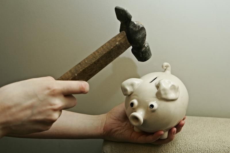 Monetų taupymas gali atnešti nuostolių