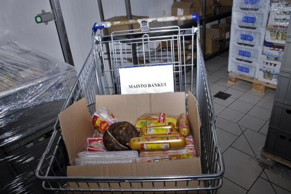 """""""Caritas"""" dėl mokesčių nebenori bendradarbiauti su """"Maisto banku"""""""