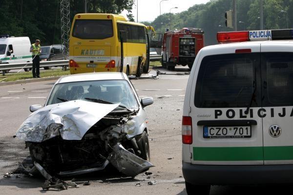 Per savaitę šalies keliuose žuvo 6 vyrai