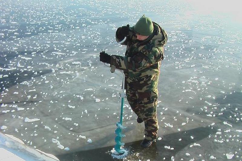 Ant Kuršių marių ledo nužymėta valstybės sienos apsaugos zona
