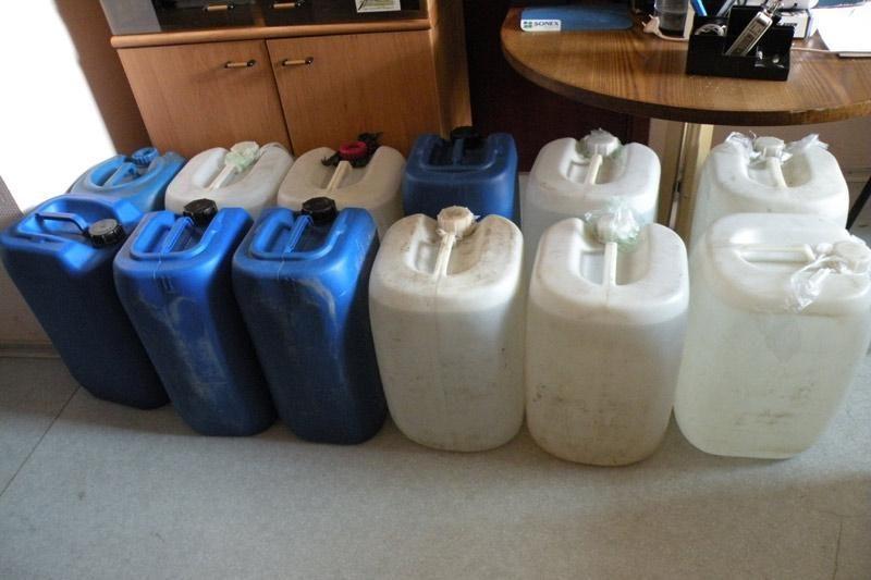 Biržietis 350 litrų spirito ketino naudoti augurkams konservuoti