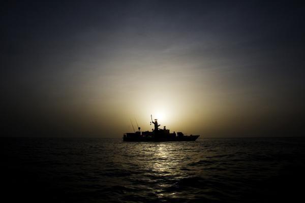 Nuskendo Pietų Korėjos patrulinis laivas, susidūręs su žvejų traleriu