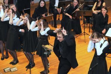 Žaismingos muzikos orkestras: trečias kartas nemeluos