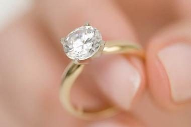 Vertingą deimantą rado tarp šiukšlių