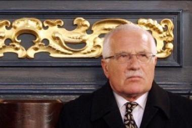 V.Klausas sukritikavo į L.Kaczynskio laidotuves neatvykusius Europos lyderius