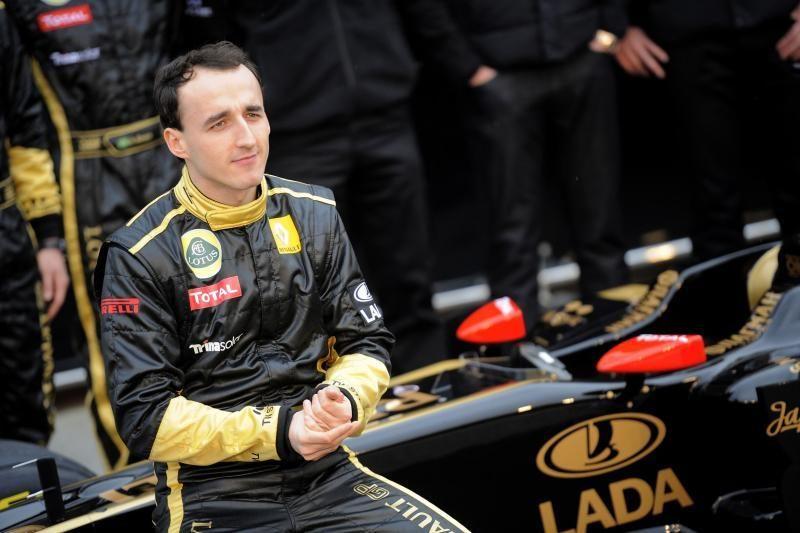 """R.Kubica į """"Formulės-1"""" trasas grįš tik kitąmet"""