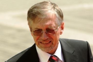 G.Steponavičius aiškinasi, ar G.Kirkilas teisėtai įgijo magistro laipsnį liudijantį diplomą