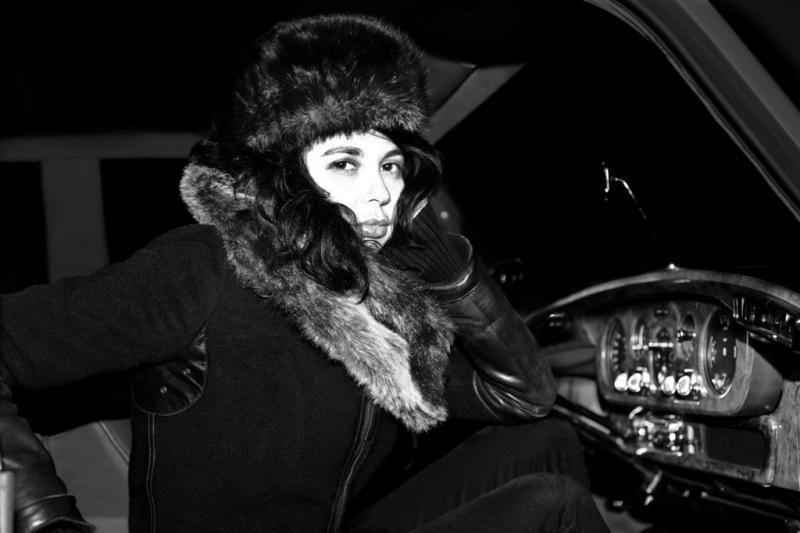 Kultinė baladžių atlikėja Chinawoman pasirodys Vilniuje