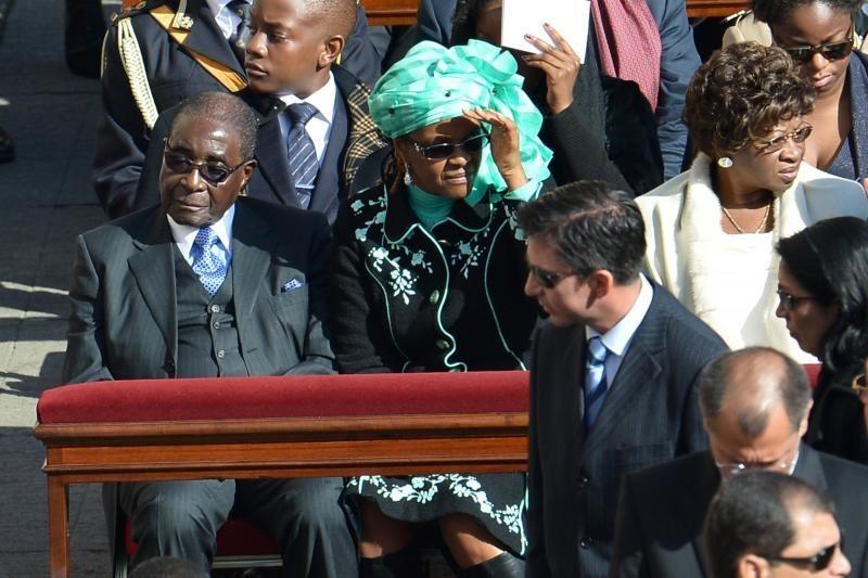 Europa panaikino sankcijas daugeliui Zimbabvės pareigūnų
