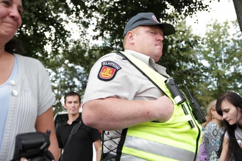 Sulaukę pensinio stažo, policiją palieka šimtai pareigūnų
