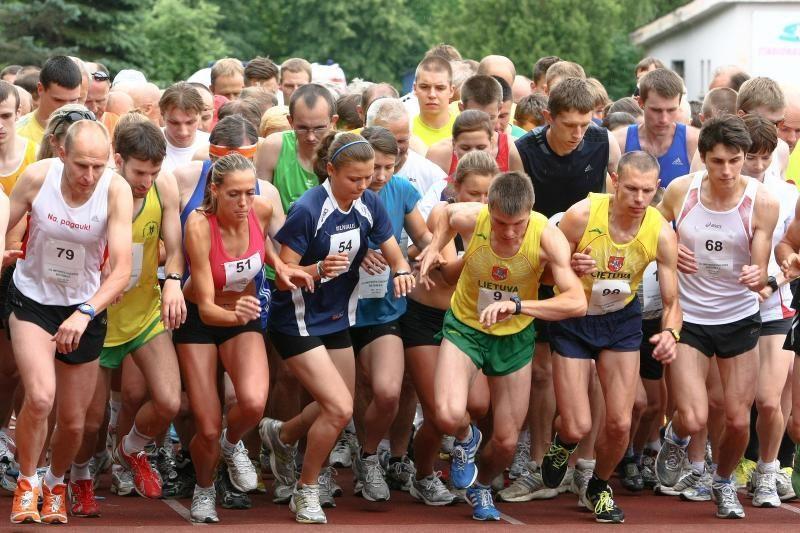 Vingio parke bėgikai įveikė olimpinę mylią