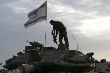 Per Izraelio ataką prieš humanitarinės pagalbos laivus žuvo 19 žmonių (papildyta 13.46 val.)