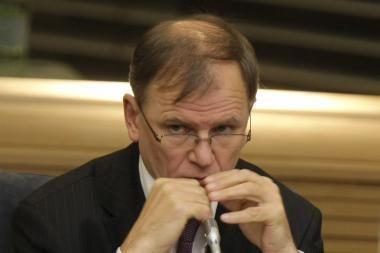 Seimo URK - pasipiktinimas dėl esą perdėto slaptumo aptariant V.Ušacko vizitus