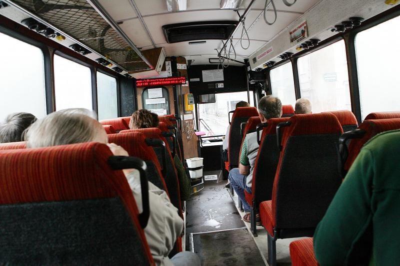 Latviai palaiko leidimą vairuotojams nemokamai važinėti sningant