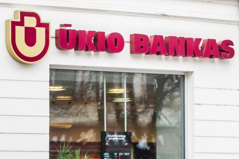 Ūkio bankui iškelta     bankroto     byla