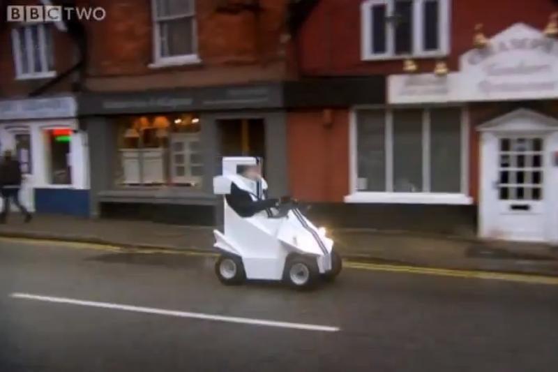 """""""Top Gear"""" pristatė mažiausią pasaulyje automobilį (video)"""
