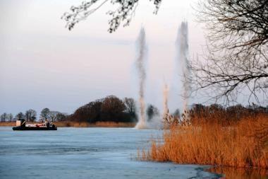 Potvynis pamaryje: Atmatoje sprogdinti ledai. Vanduo kyla (papildyta)