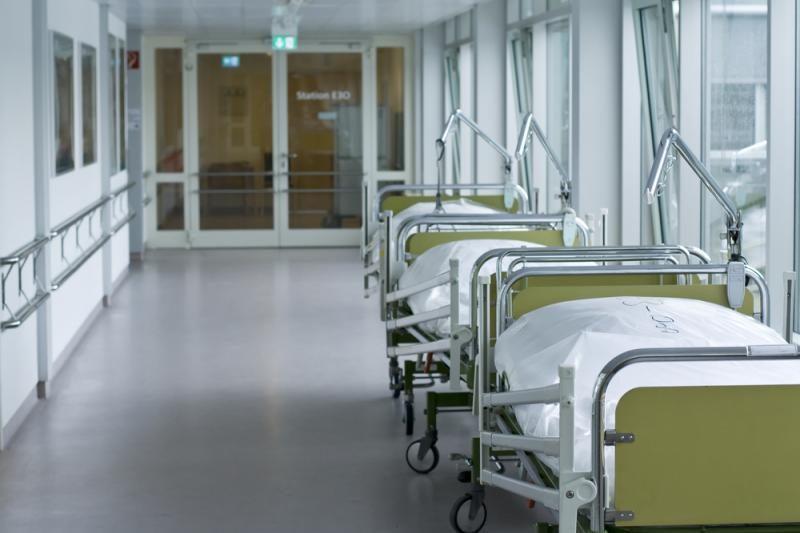 Iškritusi per ligoninės tualeto langą užsimušė moteris