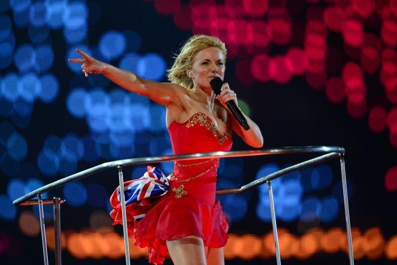 """Buvusi """"Spice Girls"""" narė G. Halliwell susitikinėja su Rusijos magnatu"""