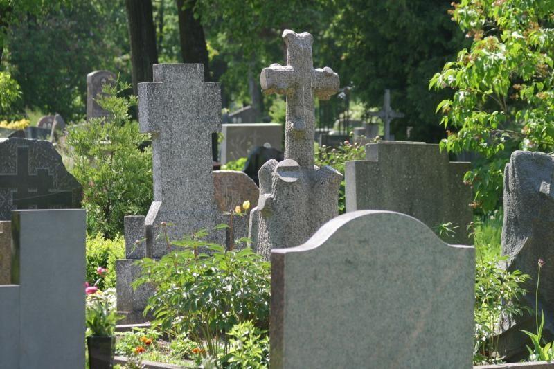 Prieš Vėlines nuteistieji darbuojasi kapinėse