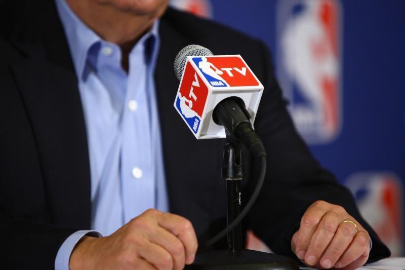 NBA lyga ir žaidėjai bando išgelbėti sezoną