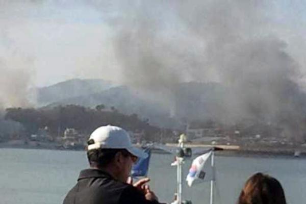 Šiaurės Korėjos artilerijos ataka nusinešė dviejų Pietų Korėjos karių gyvybes (papildyta)