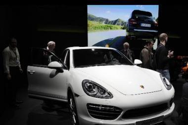"""Porsche Cayenne"" paklausa viršijo lūkesčius"