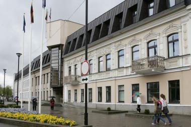 20-iai dienų suimtas korupcija įtariamas Panevėžio savivaldybės administracijos direktorius
