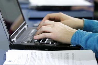 Saugumo ekspertai: atostogų planų internete geriau neskelbti
