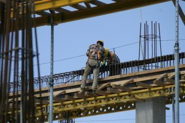 Dėl netvarkos birželį darbai stabdyti 13 statybviečių