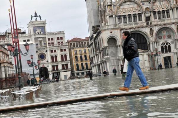 Venecija grimzta labiau nei manyta anksčiau