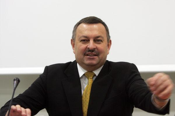 Buvusiam Vilniaus merui V. Navickui siūloma skirti baudą