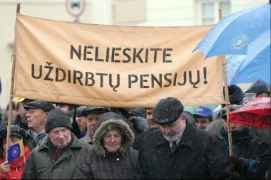 Vyriausybė nepritarė siūlymams didinti pensijas (papildyta 12.45 val.)