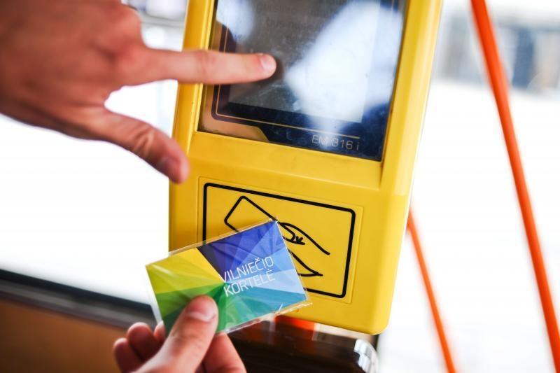 Žada kompensuoti vilniečiams už nuskaitomus per brangius bilietus