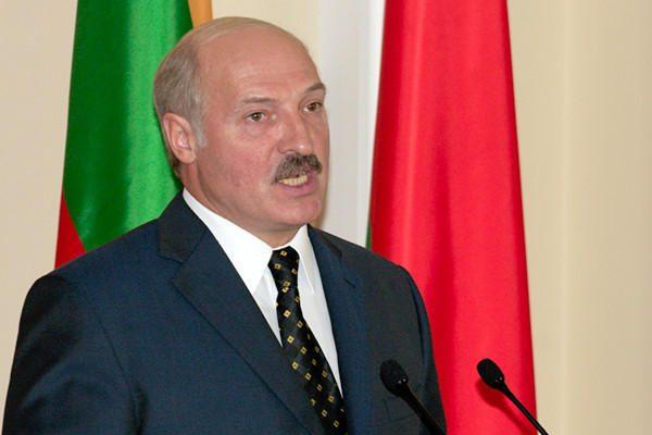 Baltarusijos prezidento rinkimai - po padidinamuoju stiklu?