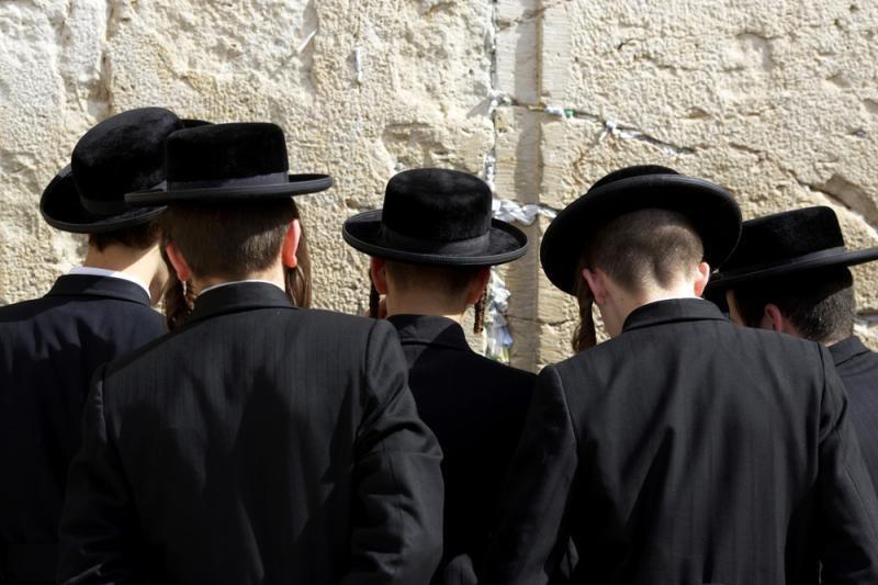 Paleisti penki iš 12 suimtųjų dėl atakos prieš žydų turgavietėje
