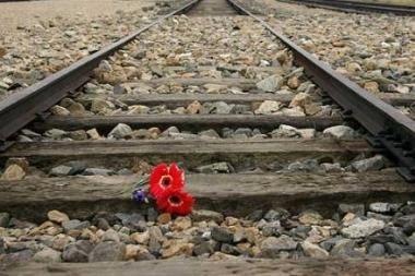 Po traukiniu žuvęs vaikinas dar neatpažintas