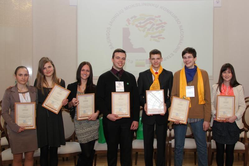 Tarp jaunųjų mokslininkų konkurso laureatų – trys Kauno moksleiviai