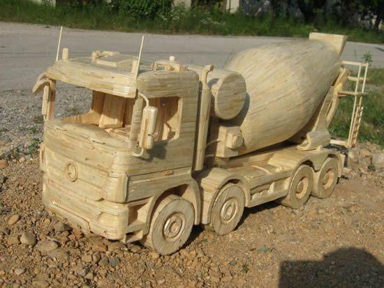 Talentingas kroatas kuria neįtikėtinus sunkvežimius