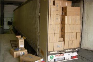 Pareigūnų panosėje iš sulaikyto vilkiko pavogti kontrabandiniai rūkalai