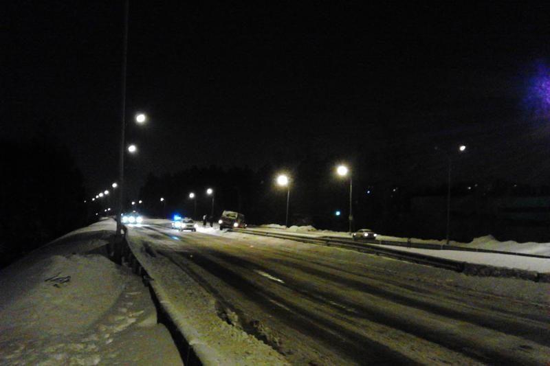Vilniaus pakraštyje vakarą suvažinėta keliu ėjusi moteris